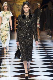 Julia Rather - Dolce & Gabbana Fall 2016 Ready-to-Wear