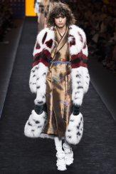 Mica Arganaraz - Fendi Fall 2016 Ready-to-Wear