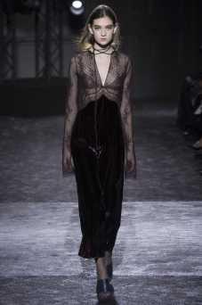 Julia Ratner - Nina Ricci Fall 2016 Ready-to-Wear