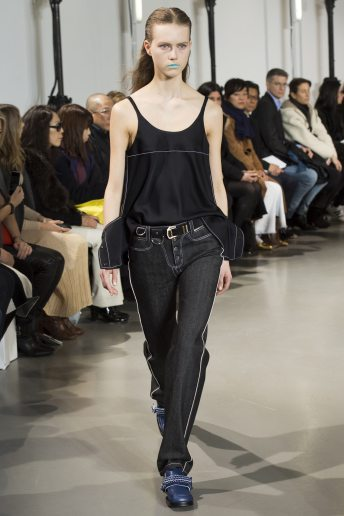 Julie Hoomans - Paco Rabanne Fall 2016 Ready-to-Wear