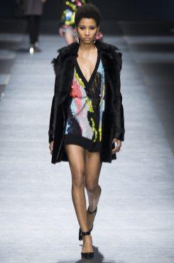 Lineisy Montero - Versace Fall 2016 Ready-to-Wear