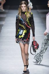 Roos Abels - Versace Fall 2016 Ready-to-Wear