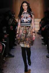 Mariacarla Boscono - Givenchy Fall 2016 Ready-to-Wear