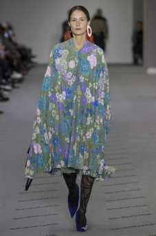 Balenciaga Fall 2017 Ready-to-Wear