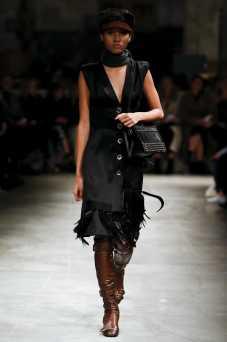 Lineisy Montero - Prada Fall 2017 Ready-to-Wear