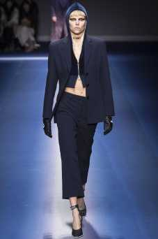 Nina Milner - Versace Fall 2017 Ready-to-Wear