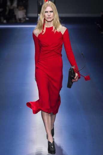 Iselin Steiro - Versace Fall 2017 Ready-to-Wear