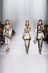 Grace Elizabeth - Anna Ewers - Kendall Jenner - Versace Spring 2018 Ready-to-Wear