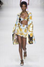 Aube Jolicoeur - Versace Spring 2018 Ready-to-Wear