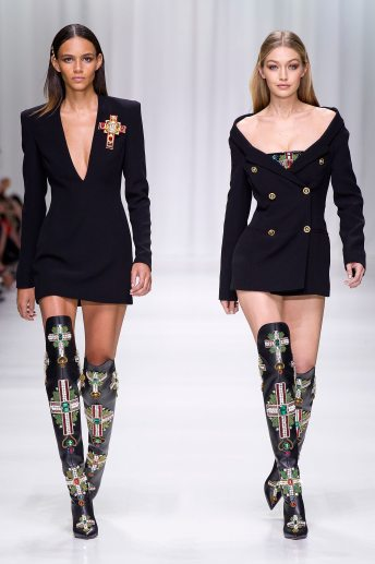 Binx Walton - Gigi Hadid - Versace Spring 2018 Ready-to-Wear