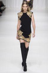 Gigi Hadid - Versace Spring 2018 Ready-to-Wear