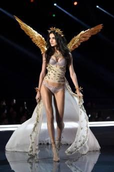 Blanca Padilla - Victoria's Secret Fashion Show
