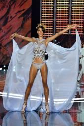 Dilone - Victoria's Secret Fashion Show