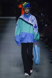 Alina Bolotina - Burberry Spring 2018 Ready-to-Wear