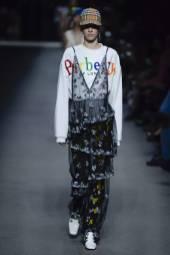 Sarah Dahl - Burberry Spring 2018 Ready-to-Wear