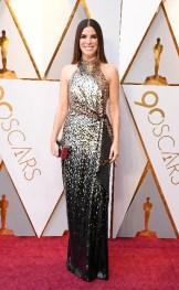 Sandra Bullock - Elbise: Louis Vuitton, Zac Posen, Takılar: Lorraine Schwartz