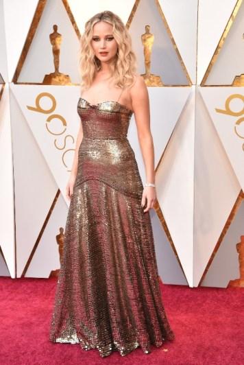 Jennifer Lawrence - Elbise: Christian Dior