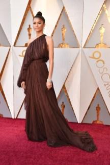 Zendaya - Elbise: Giambattista Valli Haute Couture, Ayakkabı: Brian Atwood, Takılar: Bvlgari
