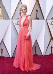 Samara Weaving - Elbise: Schiaparelli Couture