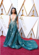 Betty Gabriel - Elbise: Tony Ward Couture
