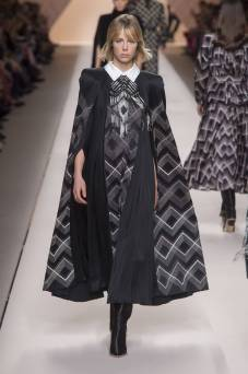 Edie Campbell - Fendi Fall 2018 Ready-to-Wear