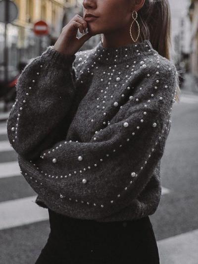 Camisola de malha cinza com pérolas de fantasia