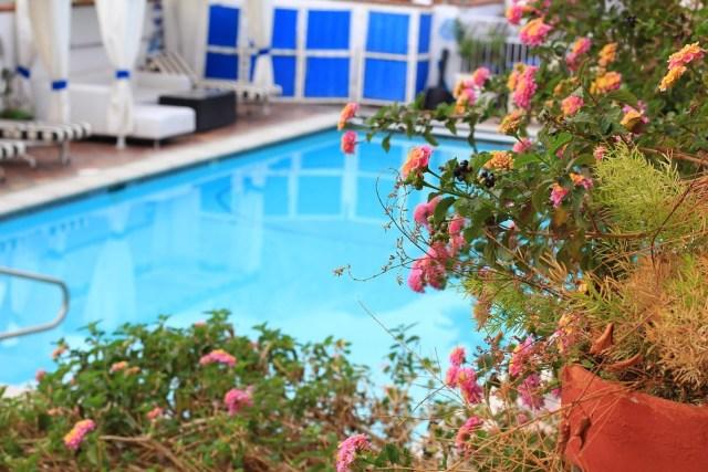 Como decorar um pátio ou jardim para o verão