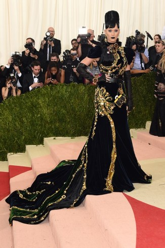met-gala-2016-all-the-red-carpet-looks-katy-perry