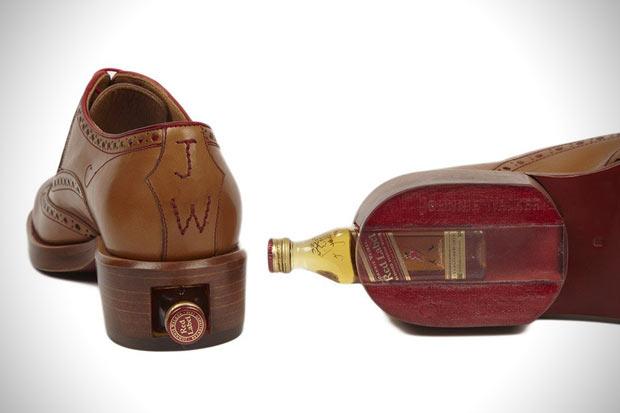 Johnnie Walker lança sapato com compartimento para whisky
