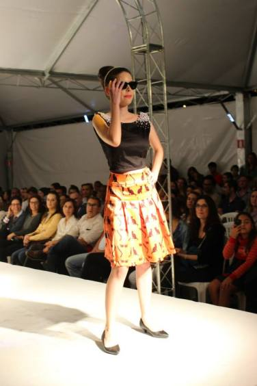 Lívia Souza, com o look inspirado em Bonequinha de Luxo.