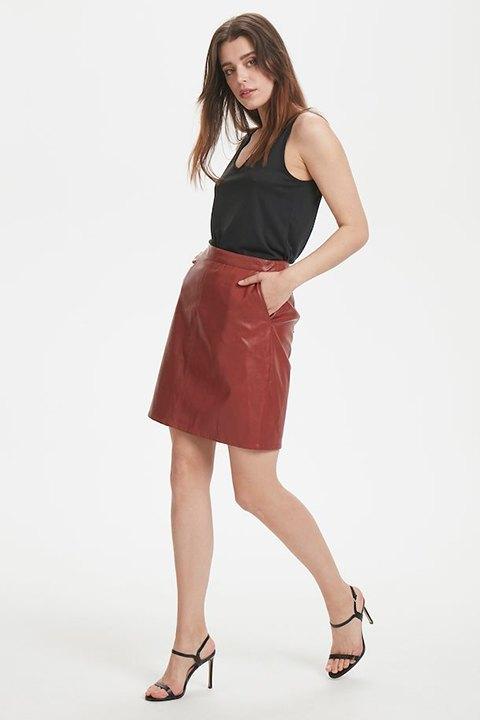 Falda con bolsillos laterales, ajuste en la cintura, en bonito tono henna de Soaked in Luxury.