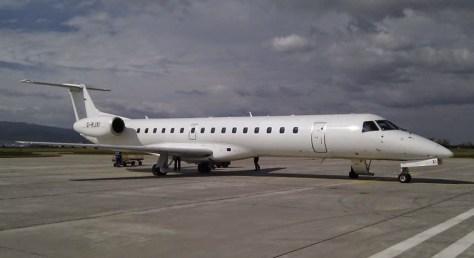 Samolot depeche MODE na lotnisku w Glasgow.