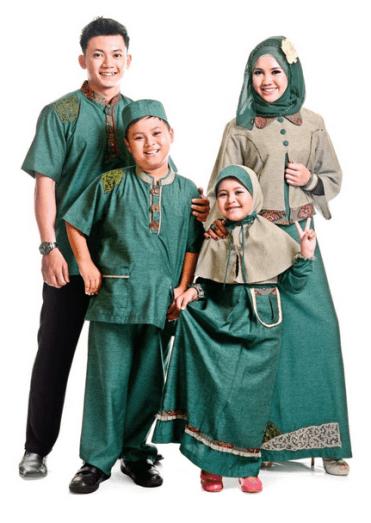 Model baju Muslim pasangan Istri dan anak perempuan terbaru