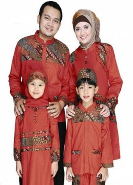 Desain Busana Muslim Batik Keluarga Untuk Pesta Modern dan Glamour