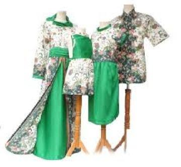 seragam batik keluarga buat pernikahan