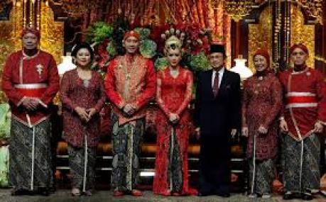 Contoh Model Baju seragam kebaya panitia pernikahan Terbaru