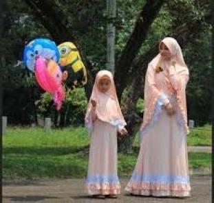 Model Baju Kaos muslim Keluarga Terbaru