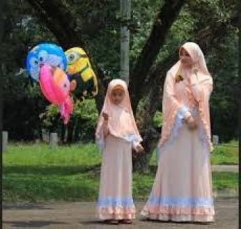Model Baju Couple ibu dan anak perempuan untuk Lebaran Terbaru