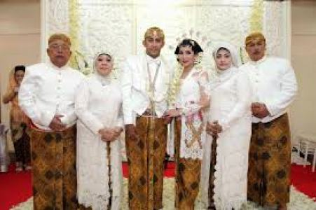Contoh Baju Pernikahan Seragam Modern Terbaru