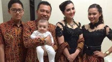 Model baju Batik seragam keluarga buat kondangan terbaru
