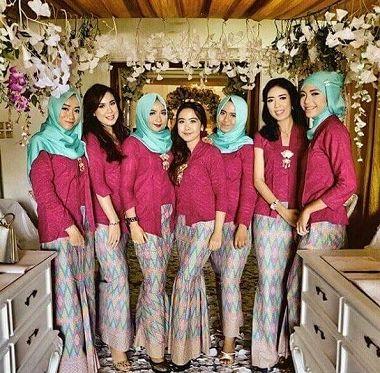 Trend Baju Keluarga Pengantin Malaysia Melayu Modern
