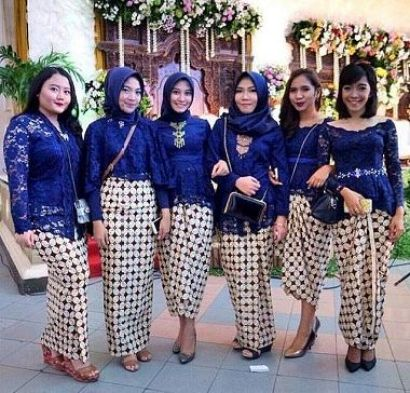 Model Baju Lebaran Seragam Warna Biru Terbaru