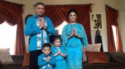Model Baju Lebaran Artis Seragam Keluarga Terbaru