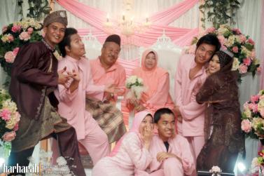 Model Baju Muslim Pasangan Suami Istri dan Anak Terbaru