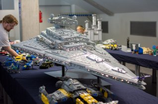 MMM_JERAC_6.62-FOOT_LEGO_STAR_DESTROYER_032