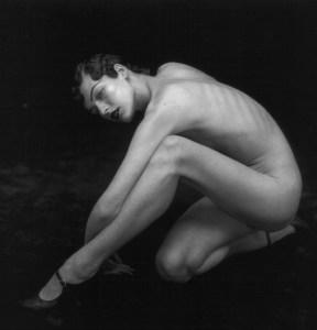 Un exemple de la grâce de la nudité? Milla Jovovitch