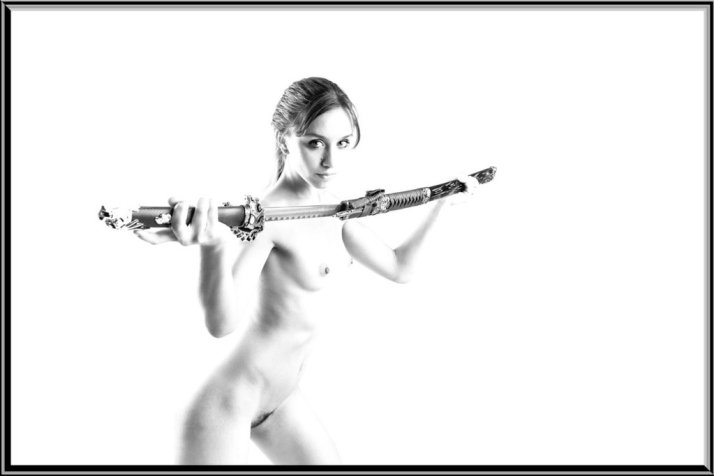 sword_dance_in_black_and_white_by_spitting_to_windward-dcqfqgj (1)