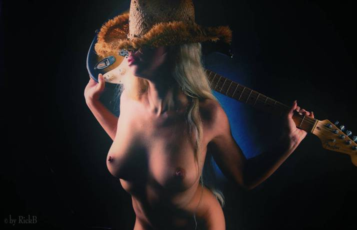 yes__she_can_play_by_rickb500_dd2zcir-pre