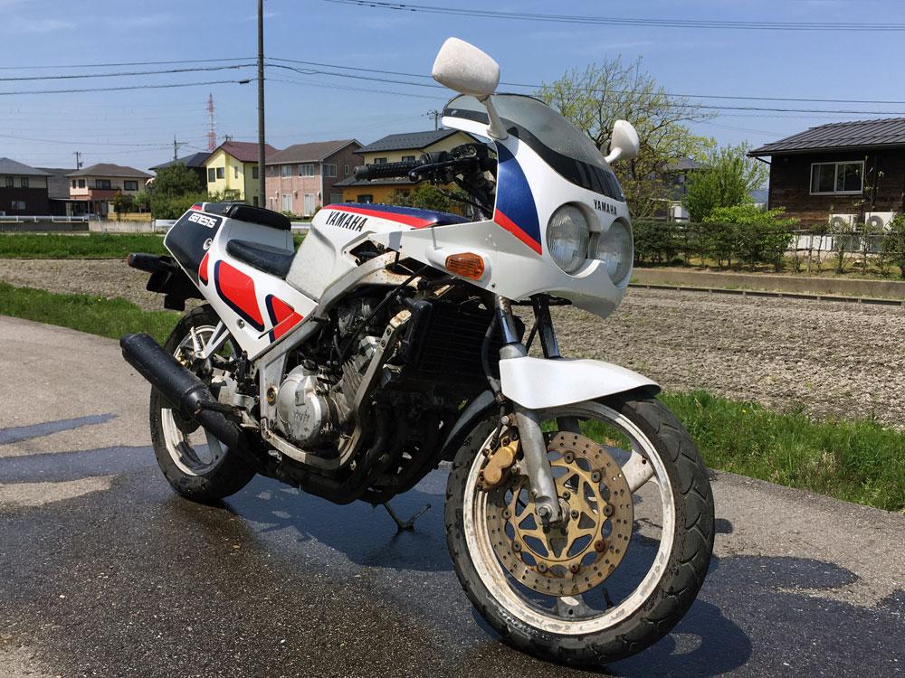 ヤマハ FZR250(2KR)