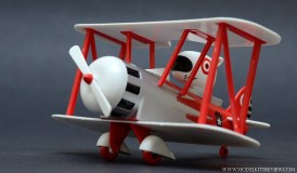 captain-bullseye-airplane-kit-2